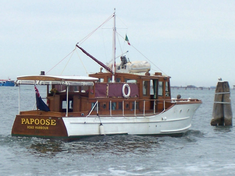Classic Motor Yacht Papoose